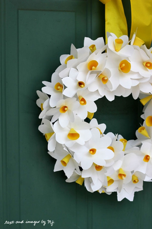 paper-daffodil-wreath
